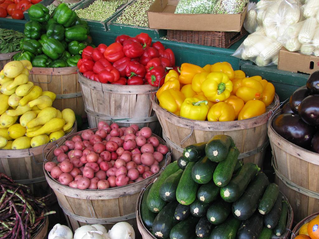 Farmers-Market-foods