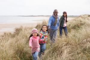 Family-on-sand-dunes-in-winter_12-7-10_blf1