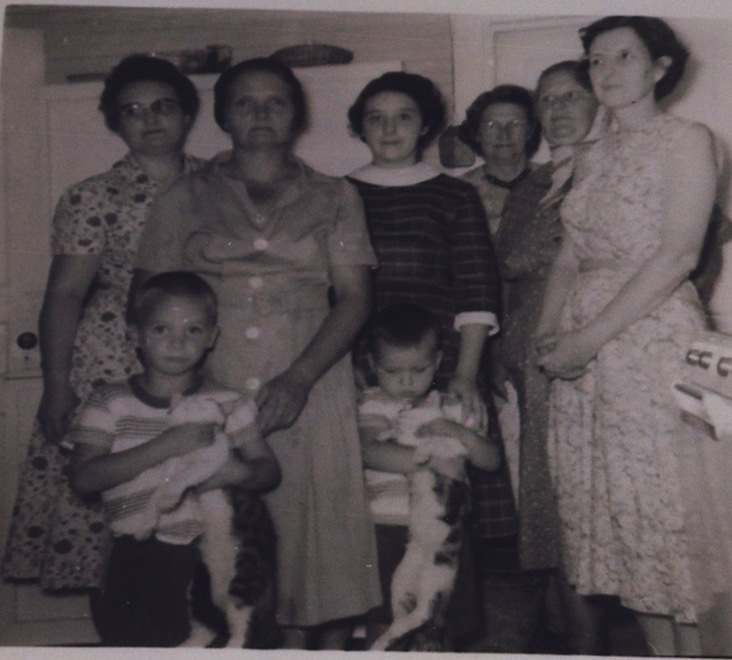 Brush Creek Homemakers (from around 1958). Little boys in the front are Sammy Marr (L) and Danny Marr (R). Ladies from (L-R): Ruth Barnes, Dorothy Marr, Bana Barnes, Mrs. Green, Lottie Hyde and Vinnie Marr.