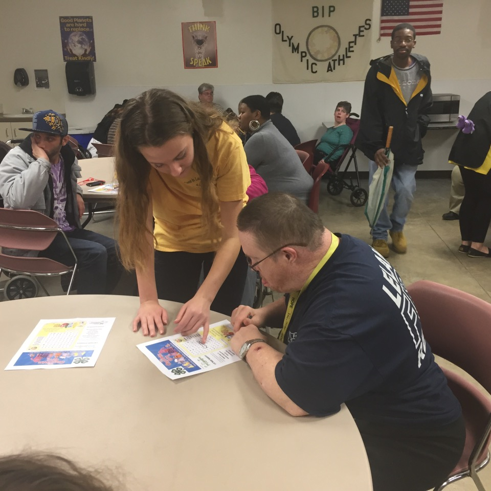 4-H TiLT Volunteer Helping Brunswick Inter-agency Program student