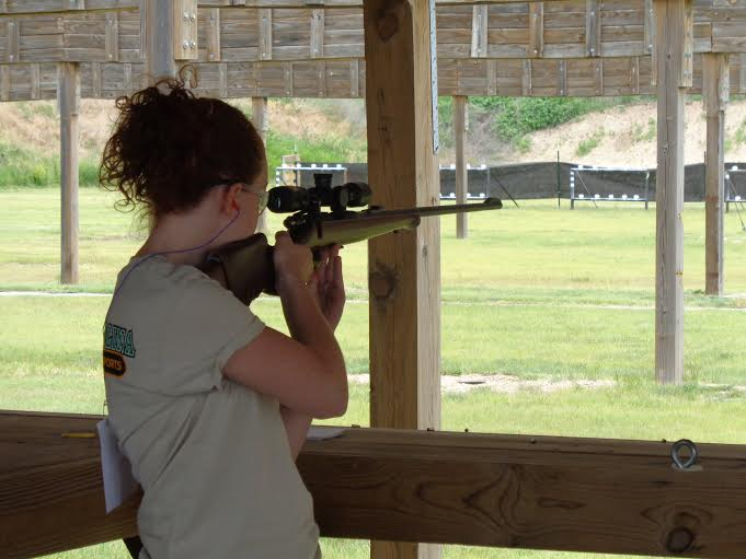 Hannah Worrell shooting rifle at nationals