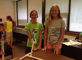 4-H'ers with their rocket design!